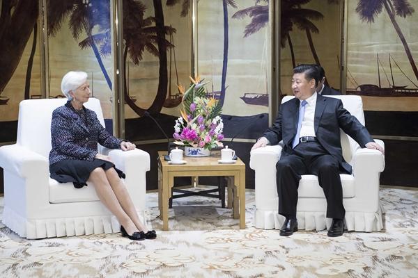 習近平會見國際貨幣基金組織總裁拉加德