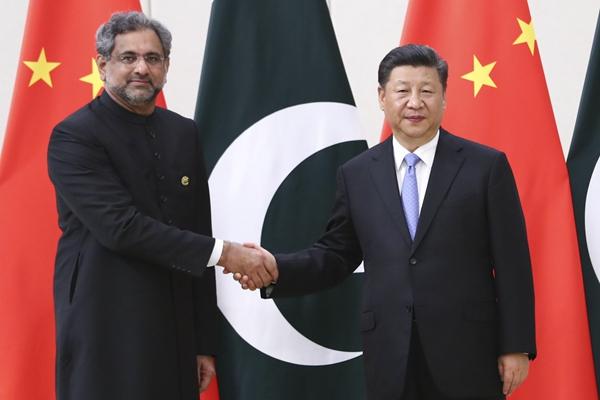 習近平會見巴基斯坦總理阿巴西