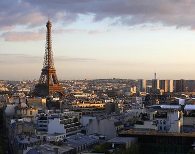 法國疫情反彈 單日新增確診病例連創新高