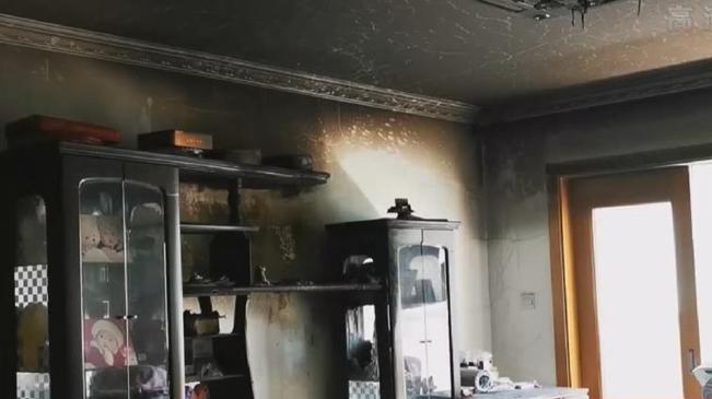 上海:一居民家中電視自燃 鄰居幫滅火